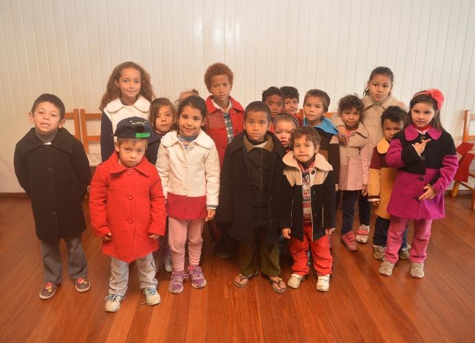 Personalità aquece o invernodas crianças da Pastoral do Pão