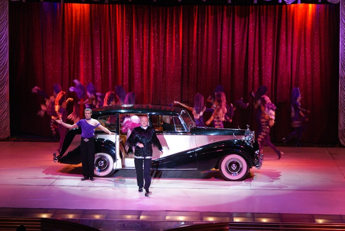 Carro real: da monarquiaao palco do Circo Tihany