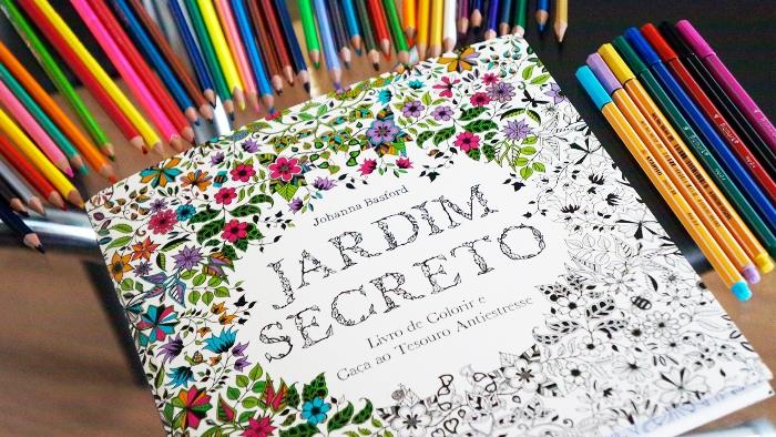Iguatemi Caxias reúneapaixonados por livros de colorir