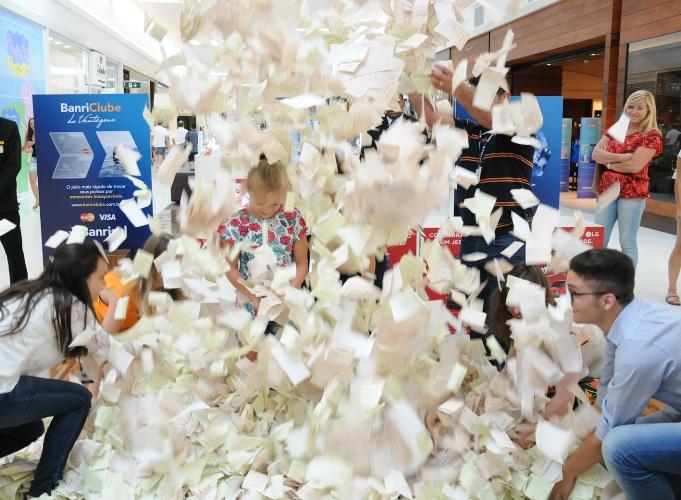 Promoção de Natal do Iguatemi Caxiasreúne mais de 63 mil cupons