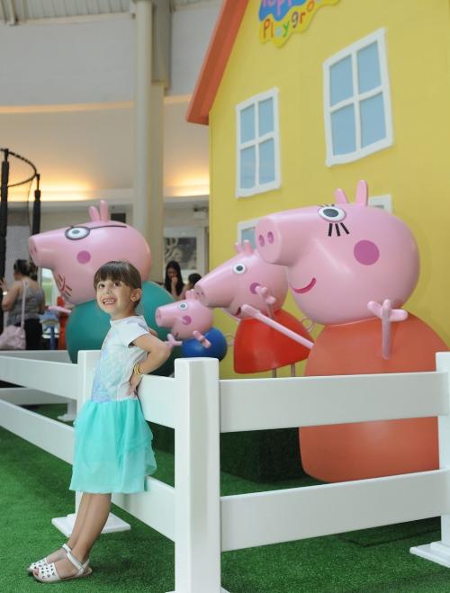 Peppa Pig e George são atraçãogratuita no Iguatemi Caxias